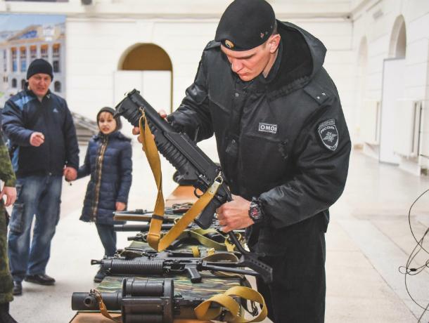 В новочеркасском политехе прошла выставка русского стрелкового оружия