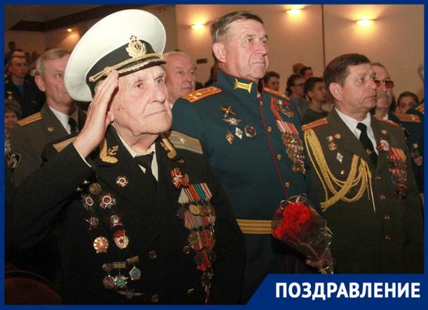 В Новочеркасске ветеранов ВОВ поздравили с 74-й годовщиной Победы
