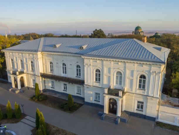 Атаманский дворец Новочеркасска: от начала строительства до наших дней