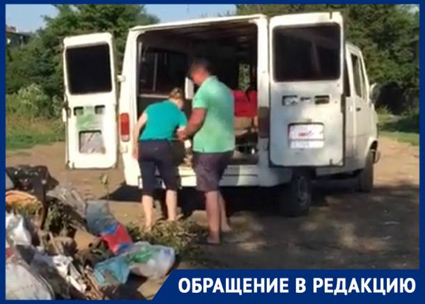 «У себя наводим порядок, а чужие дворы захламляем», - жительница Новочеркасска