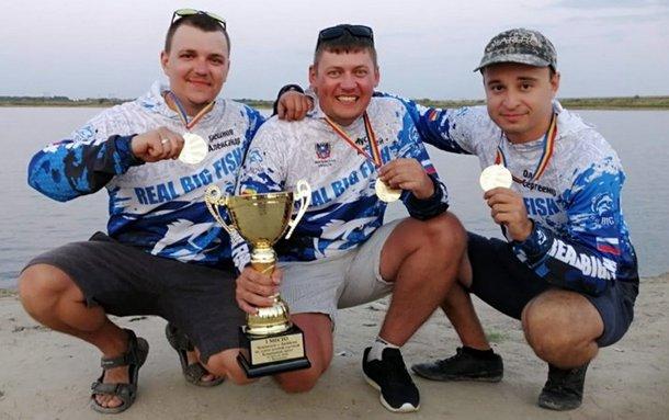 Новочеркасцы выиграли открытый чемпионат по рыбной ловле