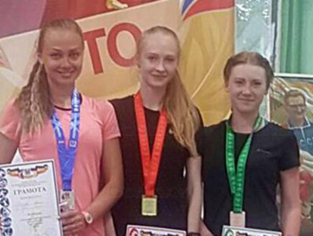 Новочеркасские студенты заняли первое место на чемпионате по легкой атлетике