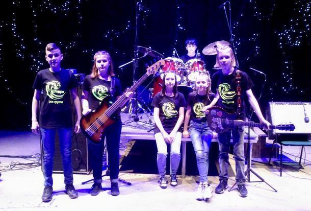 Детская рок-группа «Шторм» из Новочеркасска выступила на фестивале патриотической песни