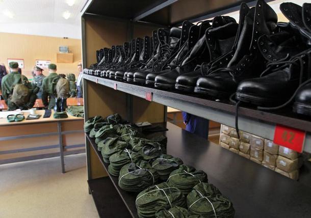 В Новочеркасске двое военнослужащих «выручили» за армейское имущество 4 миллиона рублей