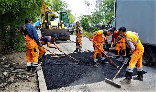 Администрация Новочеркасска добавила более 4 миллионов рублей на ремонт дворовых территорий