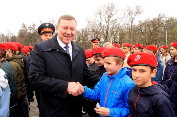 В Новочеркасске масштабно отметили День призывника и контрактника