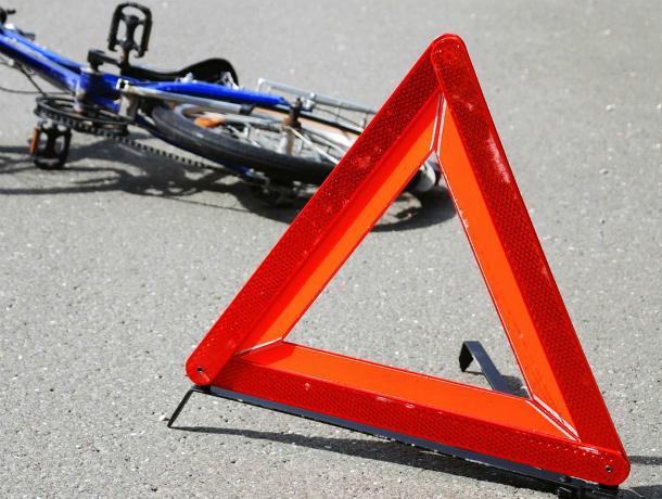 В Новочеркасске 19-летняя велосипедистка попала под машину на пешеходном переходе