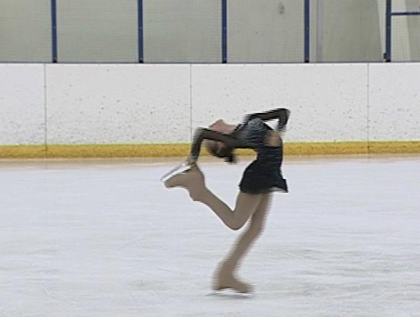 Областной турнир по фигурному катанию проходит в Новочеркасске