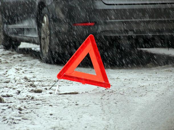 НаДону работник автомойки угнал машину ипопал вДТП
