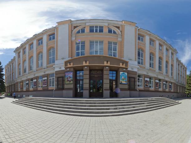 Погружение в историю: театр Комиссаржевской в Новочеркасске