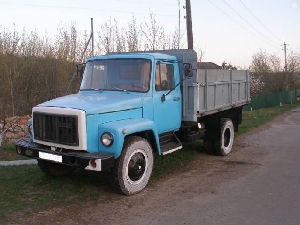 34-летняя пассажирка ГАЗ-3307 погибла под его колесами под Новочеркасском