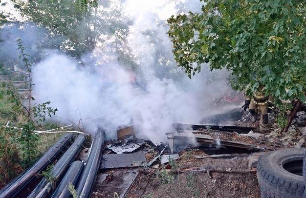 В Новочеркасске горела несанкционированная свалка