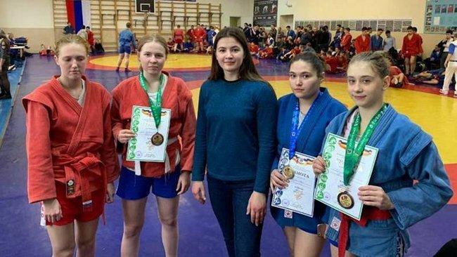 Новочеркасские самбисты привезли 12 наград с областного первенства