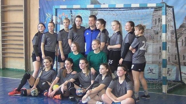 Новочеркасские гандболистки вышли в финал Чемпионата России