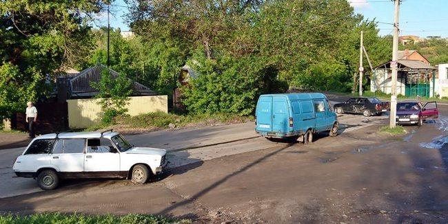 В Новочеркасске пьяный водитель разбил сразу четыре машины и скрылся