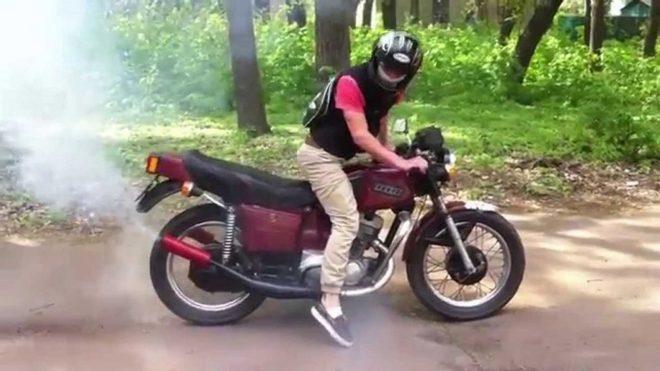 Под Новочеркасском мужчина под видом покупателя угнал мотоцикл
