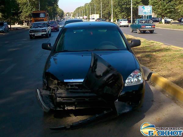 В Новочеркасске пьяный водитель «Приоры» вытолкнул микроавтобус «Фольксваген» на встречную полосу
