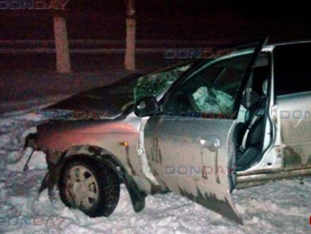 Лобовое столкновение на скользкой дороге отправило в больницу двух человек под Новочеркасском