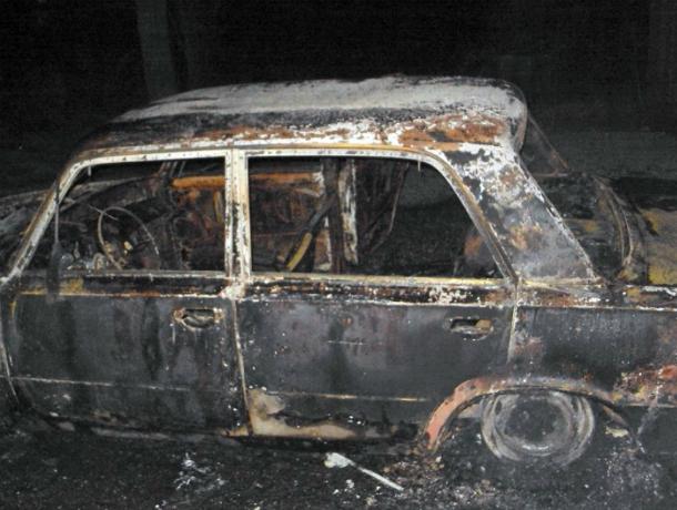 «Семерка» сгорела дотла в Новочеркасске