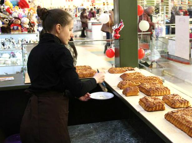 Супермаркет «Магнит» в Новочеркасске крупно оштрафовали за просроченные пироги