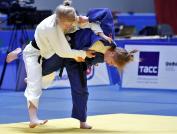 Золото с российско-китайских соревнований привезла юная дзюдоистка из Новочеркасска