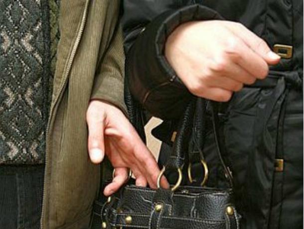35-летний карманник попался на краже кошелька в общественном транспорте Новочеркасска