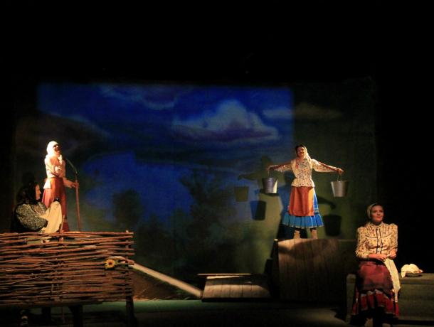 В новочеркасском театре прошла премьера спектакля «Казачки»