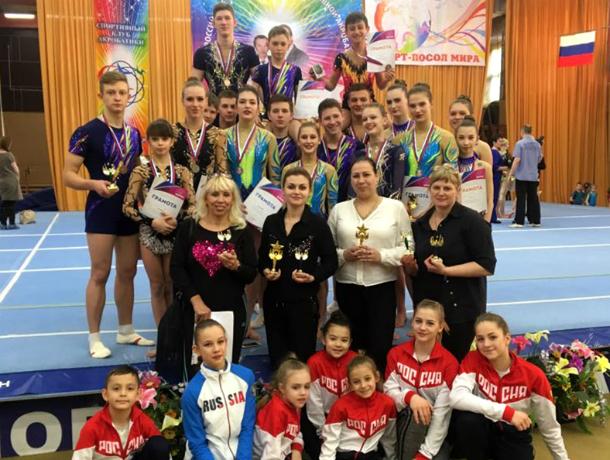 Новочеркасские акробаты привезли 24 медали с всероссийских соревнований